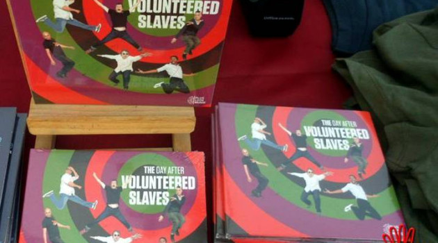 """The Volunteered Slaves: """"The Day After"""", un son authentique et pur."""