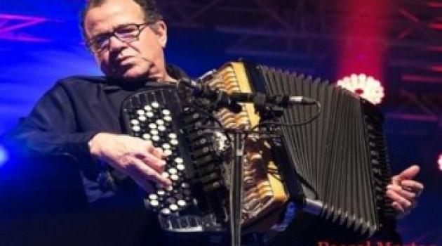 Ferté Jazz 2014: Richard Galliano joue la note de fin du festival.