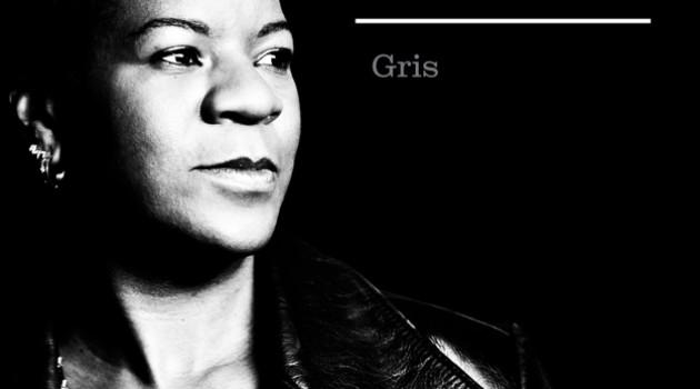 GRIS, la nouvelle couleur de Cécile Doo Kingué.