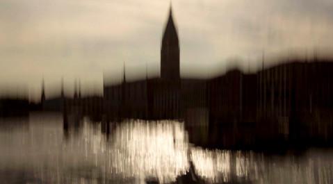 """""""Venexia"""" le guide touristique en images et musique de la Sérénissime par deux électrons artistiques libres : Noël Akchoté et Julie Wintrebert."""