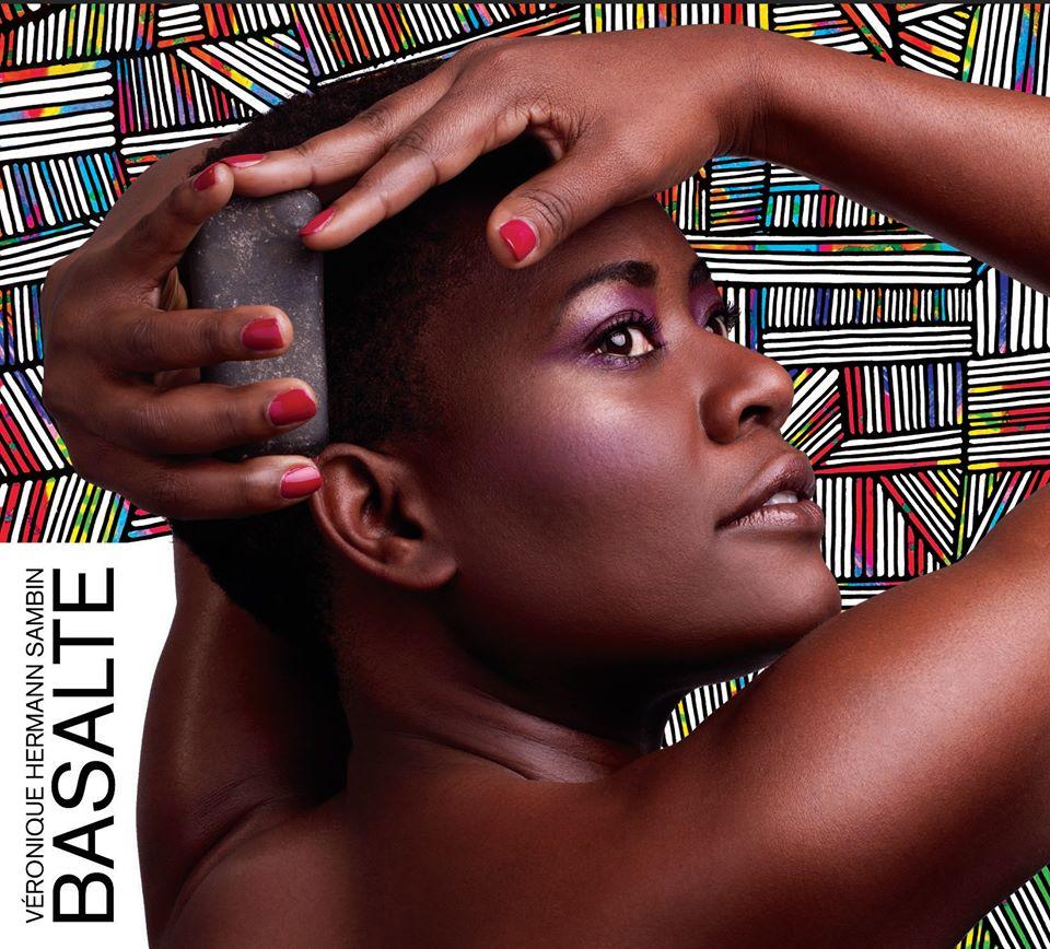 """""""Basalte"""", la confirmation d'une artiste de grande facture."""