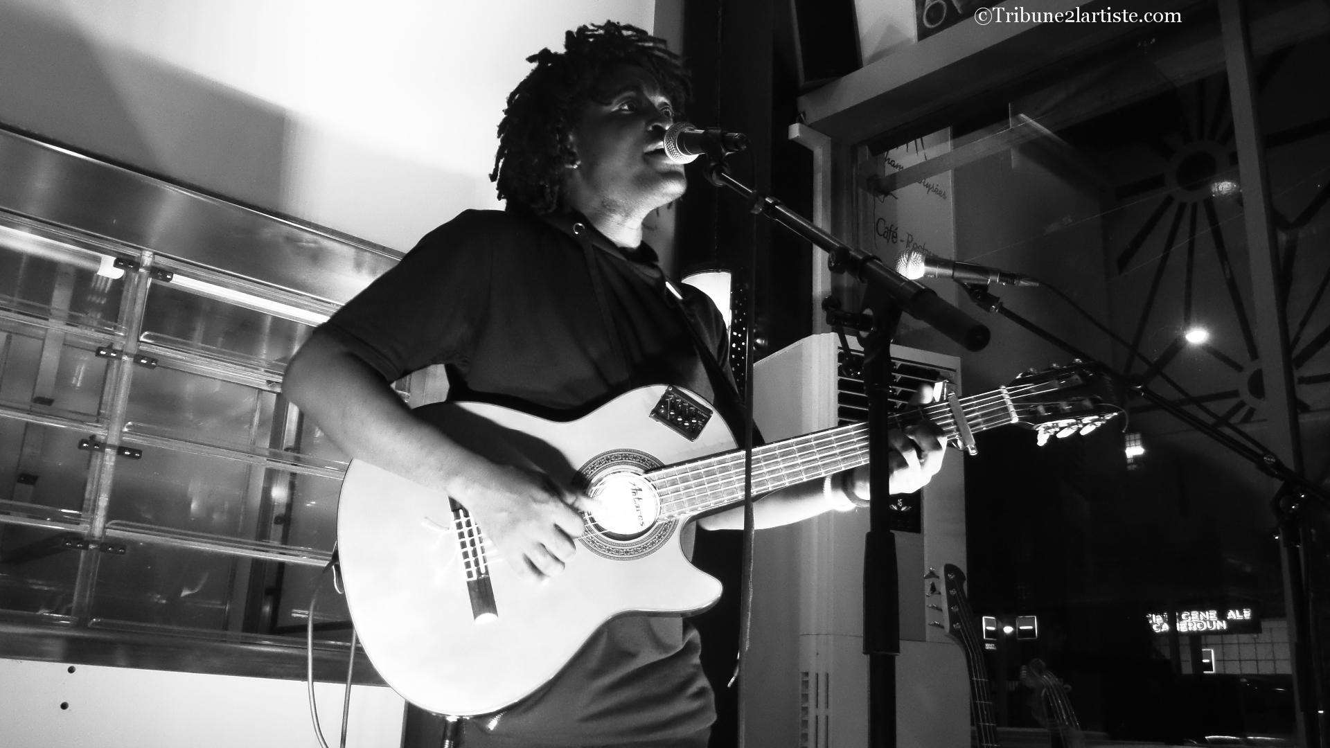 Papy Anza, la nouvelle étoile montante de la musique au Cameroun.