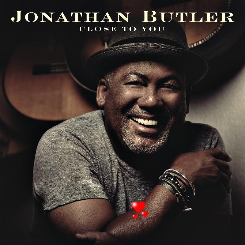 """Avec son nouvel album """"Close To You"""", Jonathan BUTLER se rapproche un peu plus de…en dépoussiérant le répertoire de Burt Bacharach."""