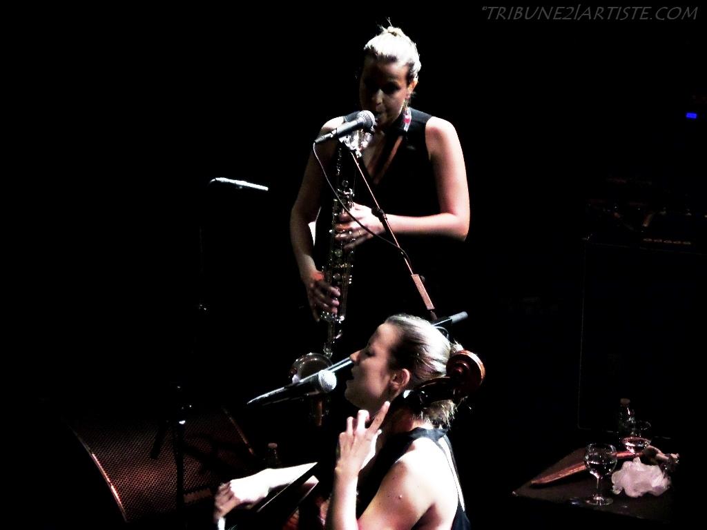 Les sœurs jumelles CARONNI, en douceur mais avec beaucoup d'efficacité au Tourcoing Jazz Festival.